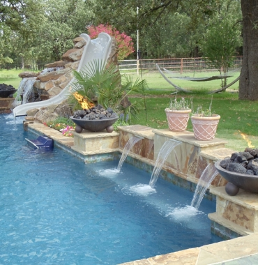 Swimming pool maintenance in Dubai | Green & Blue landscape