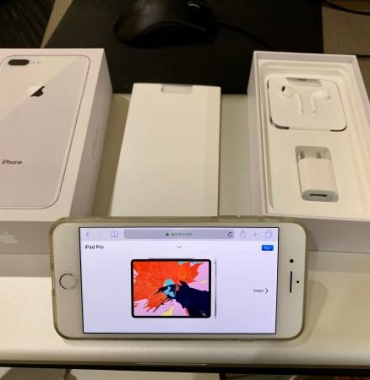 Unlocked iPhone 8 Plus 256GB White w/ AppleCare & Case